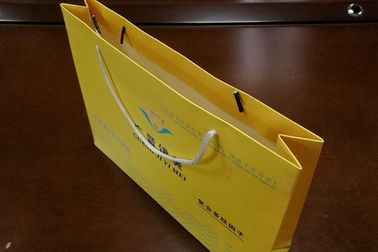 Cloth Use Kraft Paper Gift Bags , Full Color Paper Shopping Bags with Handles